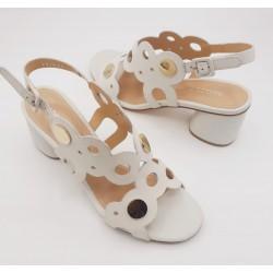 Sandalia color crema de...