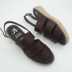 Sandalia piel marrón...
